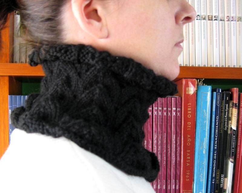 Cowl - Hand Knitted with Black Merino Wool