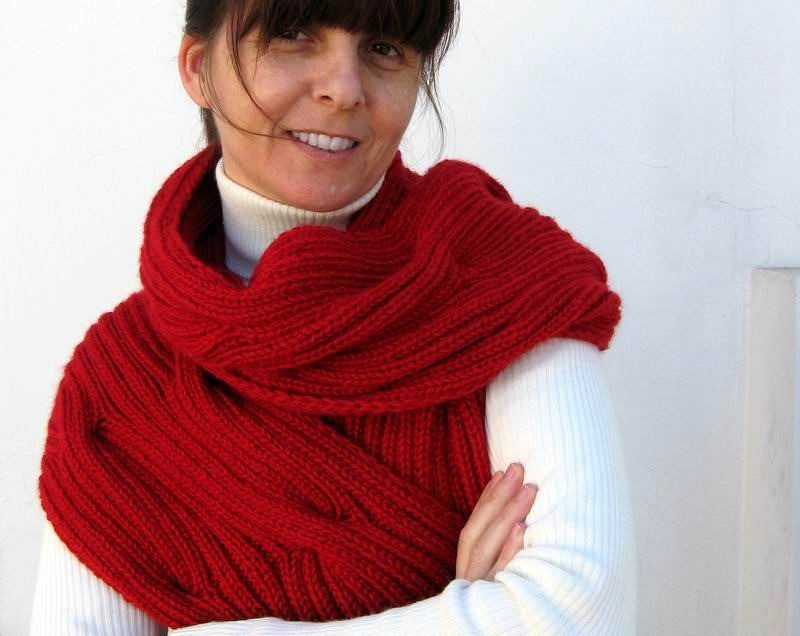 Waves Scarf - Hand Knitted with Red Merino Wool