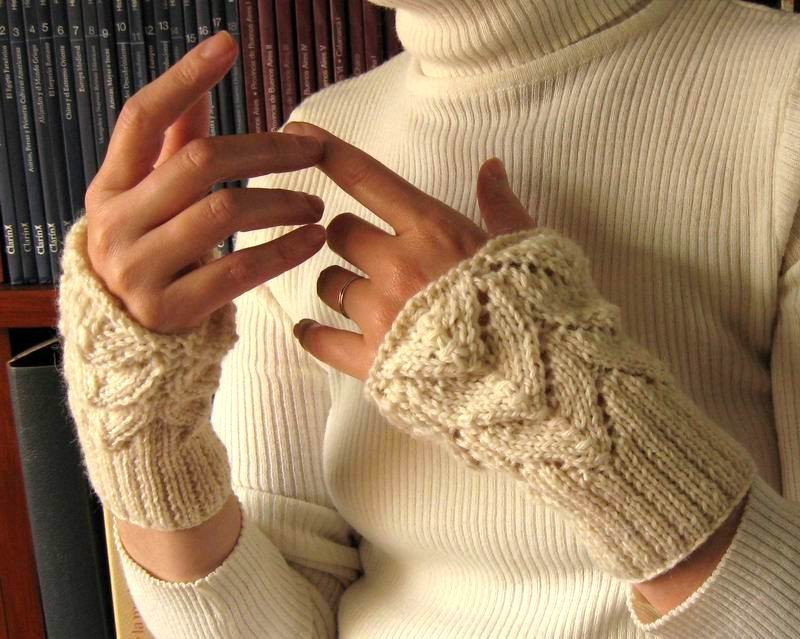 Lace Cuffs - Hand Knitted with Ivory Merino Wool