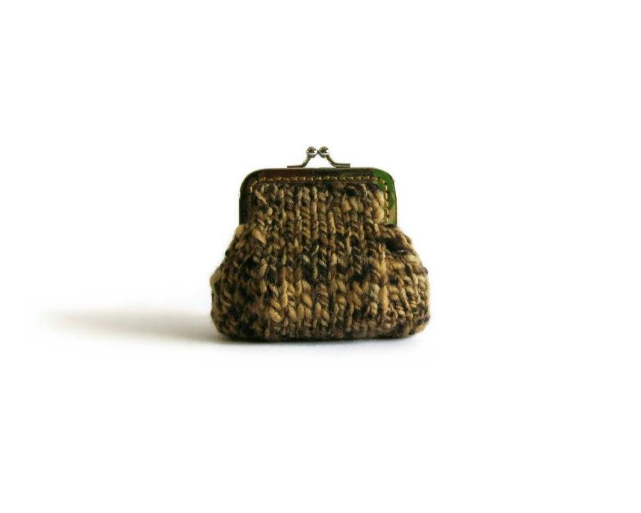 Retro coin purse in tweed brown