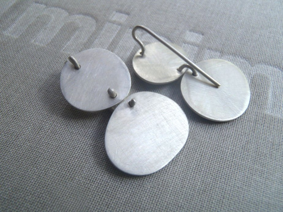 Articulated irregular round earrings - Dikua