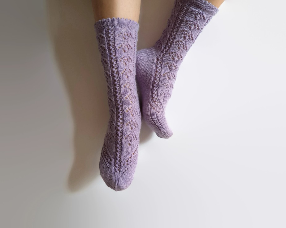 Luxurious Pastel Lavender Lilac Hand Knit Socks Wool - GrietaKnits