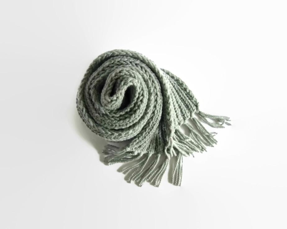 Gray Chunky Knit Scarf - branda