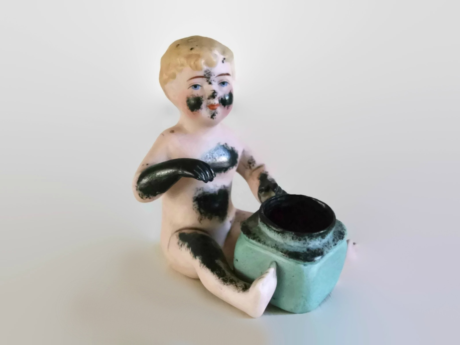 Funny biscuitware inkpot