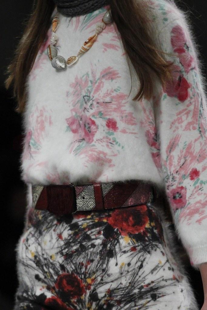 Los sweaters de angora con flores de Prada