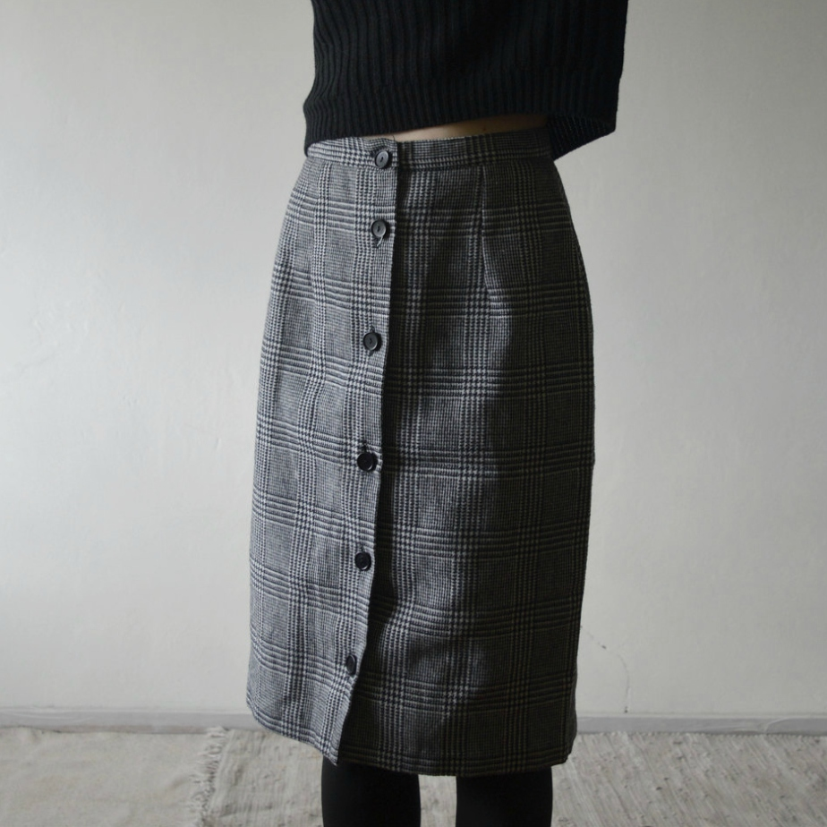 Vintage Houndstooth Midi Pencil Skirt Black and White by bemydeer