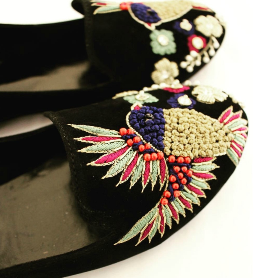 Embroidery Shoes by shopsoma