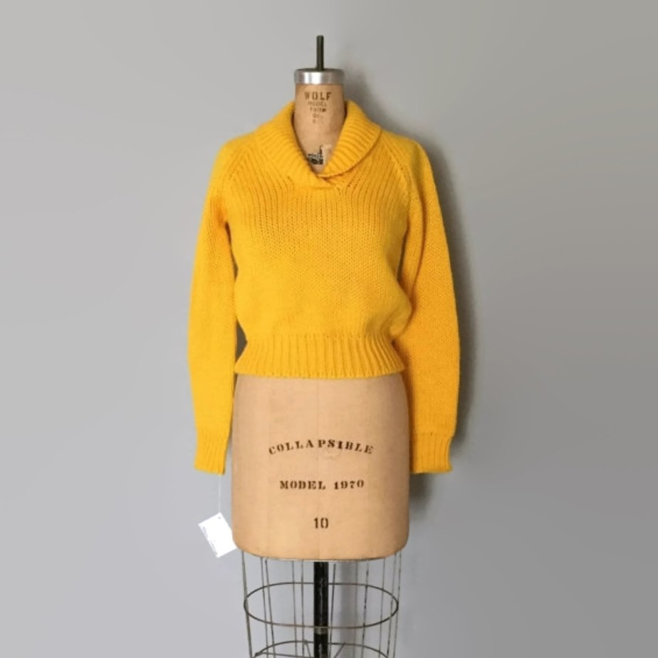 Marigold Yellow Chunky Crop Sweater de adriancompany