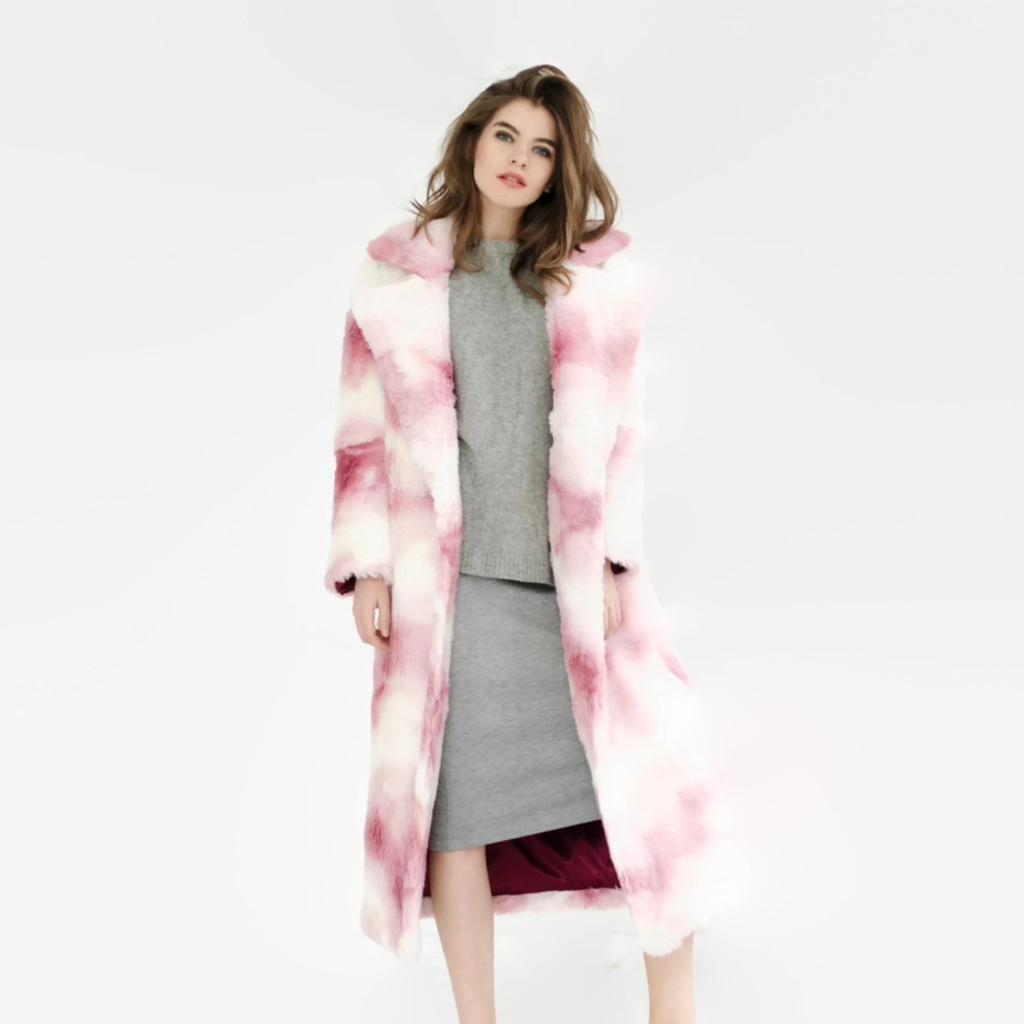 White and pink faux fur coat de SumarokovaAtelier