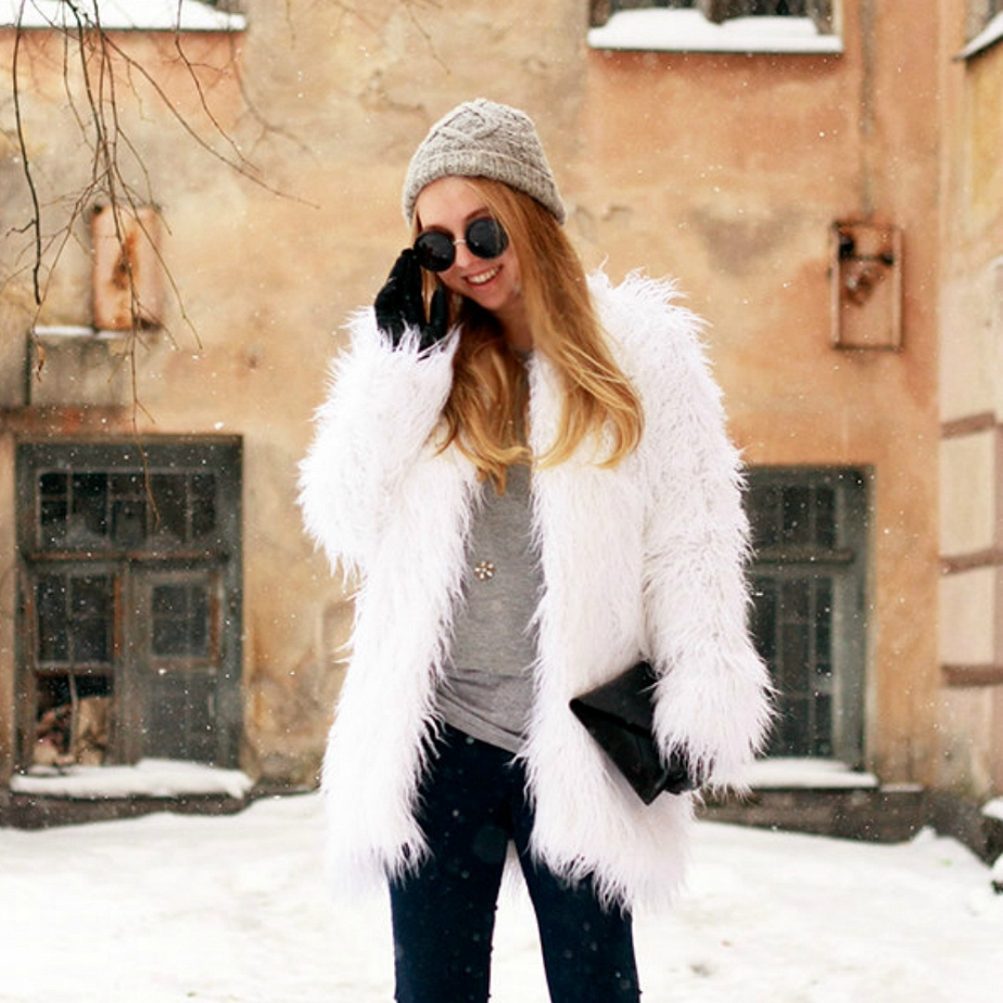 White faux fur coat de Lookhunter